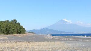 三保の松原から望む富士山
